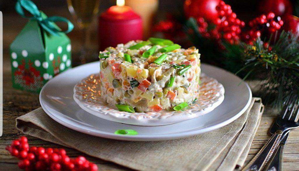 Рождественский стол – вкусные и полезные рецепты салатов для рождественского меню